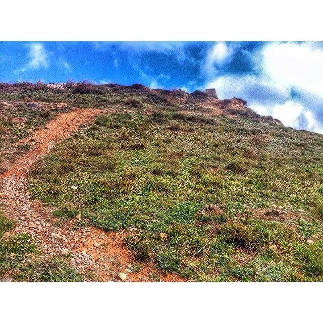 by @montblancmedieval #montblancmedieval #Tarragona #Montblanc #Catalunya #Cataluña #Catalonia #Catalogne #turisme #tourisme #turismo #tourism #trip #travel #viatjar #viatge #viajar #viaje #RTW #TravelAddict #vacances #vacaciones #holidays #slowlife #Paisaje #camino #paysage #route #landscape #road #Natura #Nature #mountain #muntanyes #montañas