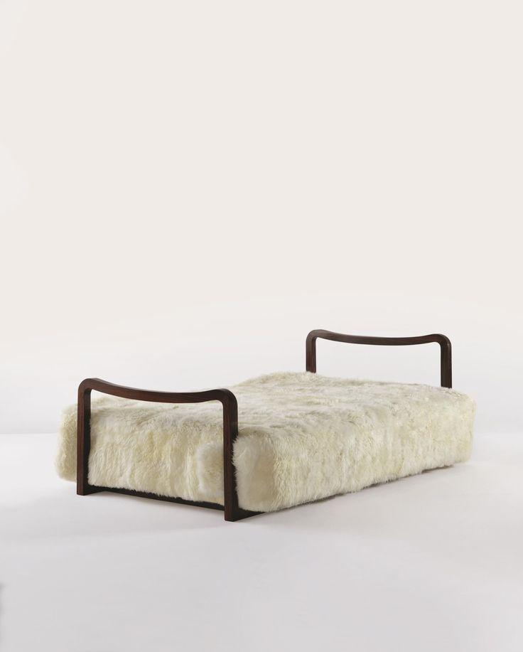 17 meilleures images propos de jean royere sur pinterest fauteuils lampadaires et tour eiffel. Black Bedroom Furniture Sets. Home Design Ideas
