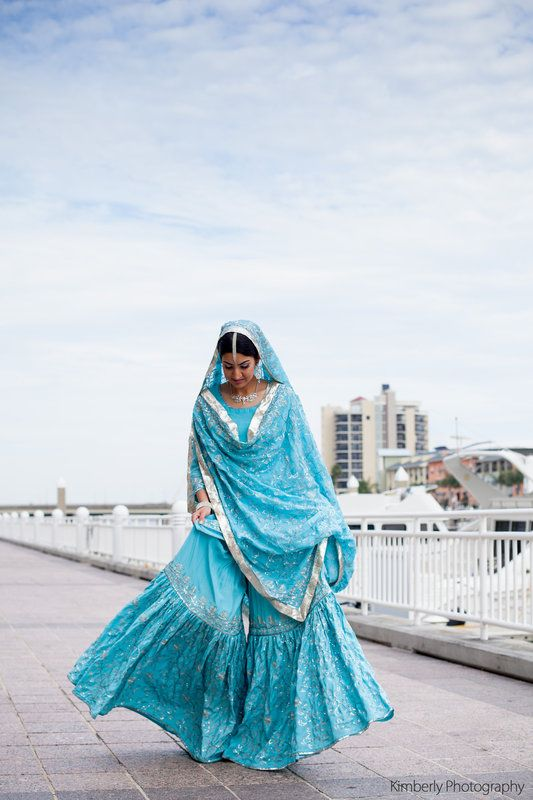 Pakistani Wedding day outdoor session, Pakistani Bride, Pakistani Bridal Wear Photo By Kimberly Photography