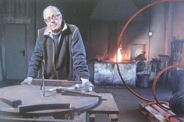 El  escultor Martin Chirino