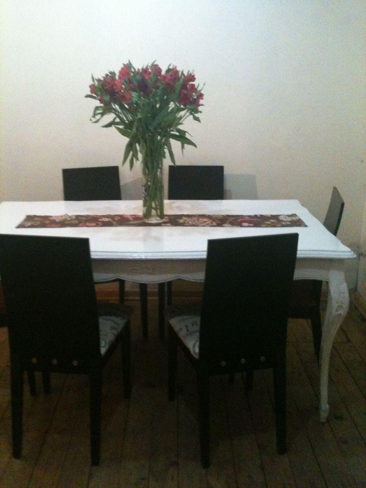 "Mi mesa normando comprada en estado horrible por ""5 lucas"""