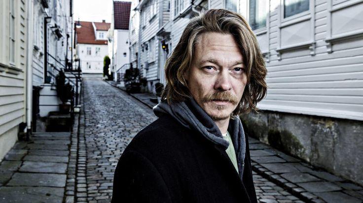 Kristoffer Joner http://gfx.dagbladet.no/labrador/321/321544/32154463/jpg/active/978x.jpgからの画像
