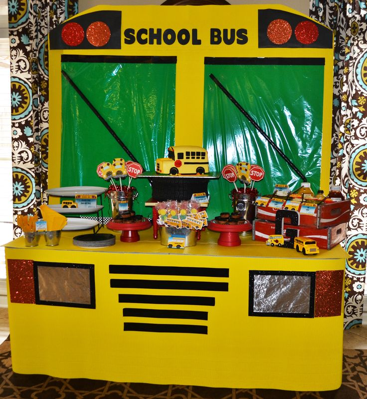 Brittany turned a table into an awesome school bus party spread! #GreyGreyDesigns #BirthdayExpress #SchoolBusParty