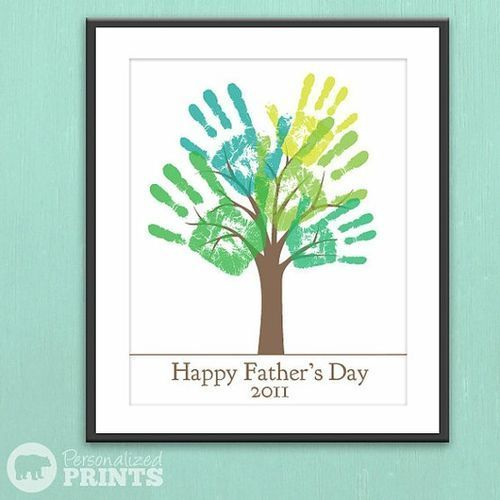 """Happy Father's Day Handprint Plaque - saw it and thought 'thankyou for helping us grow' ..or something. am now playing with the idea of """"watching them grow"""" with the same card every year?"""