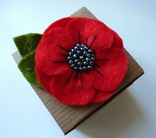 Beautiful Felt Poppy Brooch Handmade Felt flower Brooch