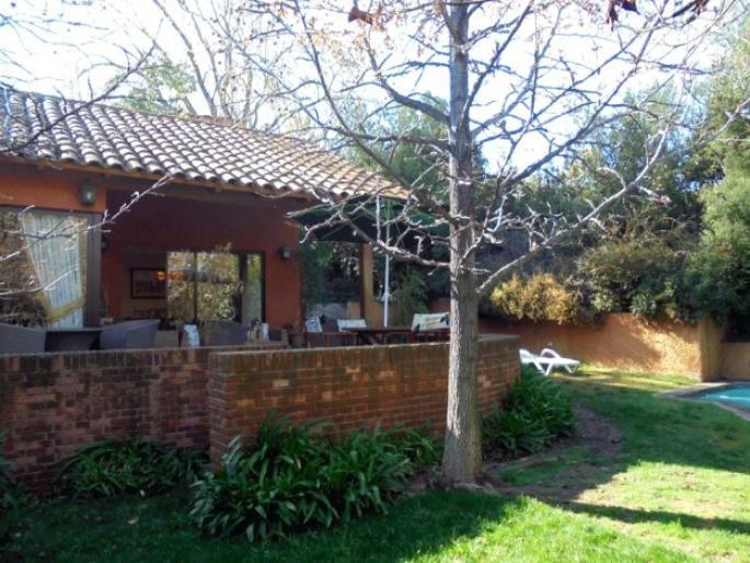 Casa en Santuario del Valle Informe de Engel & Völkers | T-1423430 - ( Chile, Región Metropolitana de Santiago, Lo Barnechea, Santuario del Valle )