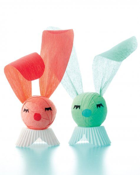 This Crepe Paper Surprise Bunny is perfect for Easter party favors: As kids unravel the tightly wound crepe paper strips, they reveal several little trinkets and presents.