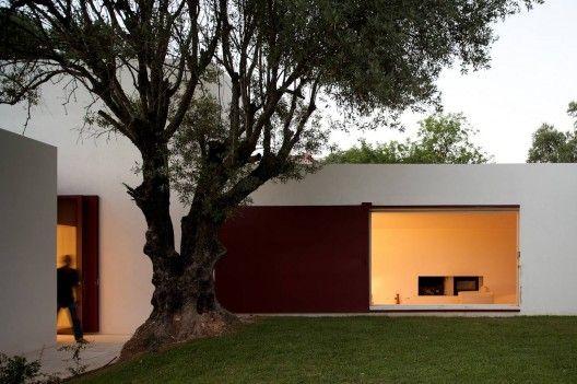 Architects: Pedro Domingos Arquitectos  Location: Santa Barbara-de-Nexe, Faro, Portugal