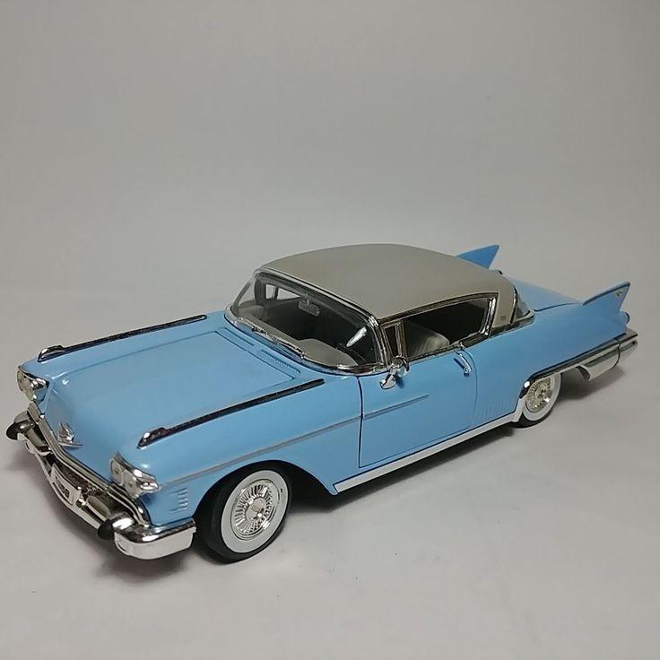 Rare Signature 1958 Cadillac Eldorado Series 62 1:32 Die-Cast Scale Model Car #SignatureModels #Cadillac