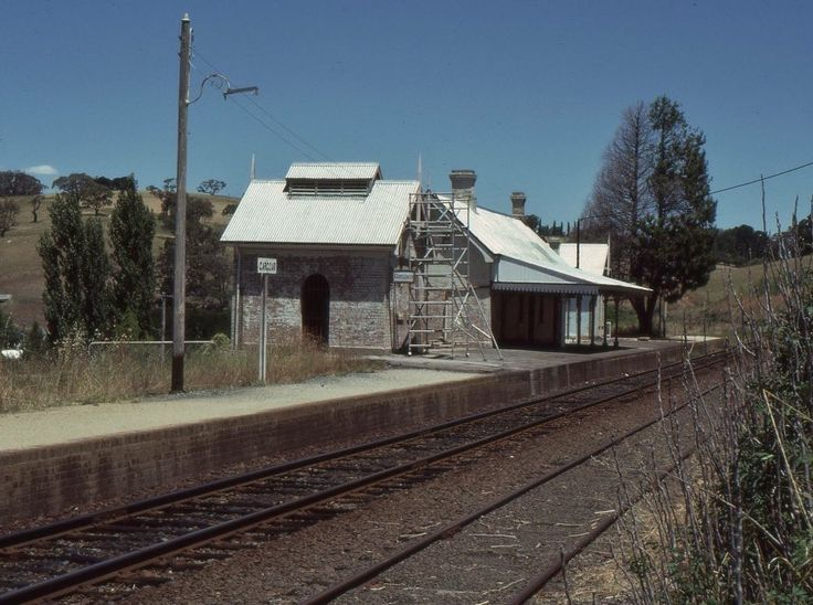 ‪Today's historic pic: The station at Carcoar on the cross-country Blayney-Cowra-Demondrille railway in Central West NSW, January 27, 1986.‬
