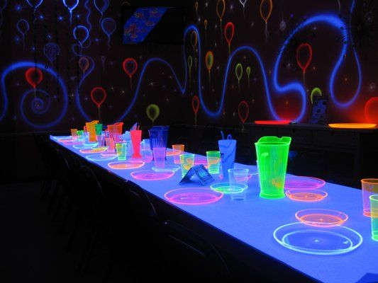 glow in the dark party our glow room for glow in the. Black Bedroom Furniture Sets. Home Design Ideas