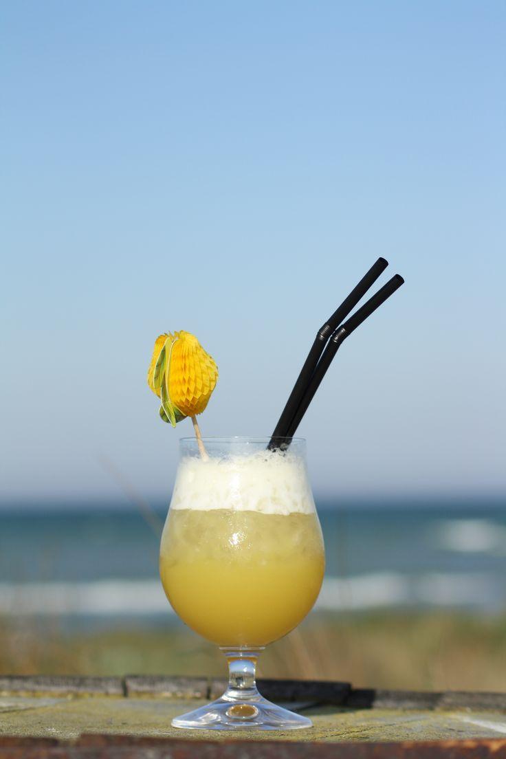 #PinaColada 3cl Noorbohandelens hvid caribisk rom 3cl #coconut-cream  9cl ananasjuice  Kom alle ingredienser i din shaker med crushed ice; ryst i ca 30 sek til det er afkølet og si det over i et glas med is. Pyntes med ananas. #taste #cocktail #whitecarribeanrum #nyord #noorbohandelen