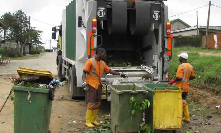 Cameroun: Saisie de près de 340 tonnes d'emballages non biodégradables - 20/01/2015 - http://www.camerpost.com/cameroun-saisie-de-pres-de-340-tonnes-demballages-non-biodegradables-20012015/?utm_source=PN&utm_medium=CAMER+POST&utm_campaign=SNAP%2Bfrom%2BCamer+Post