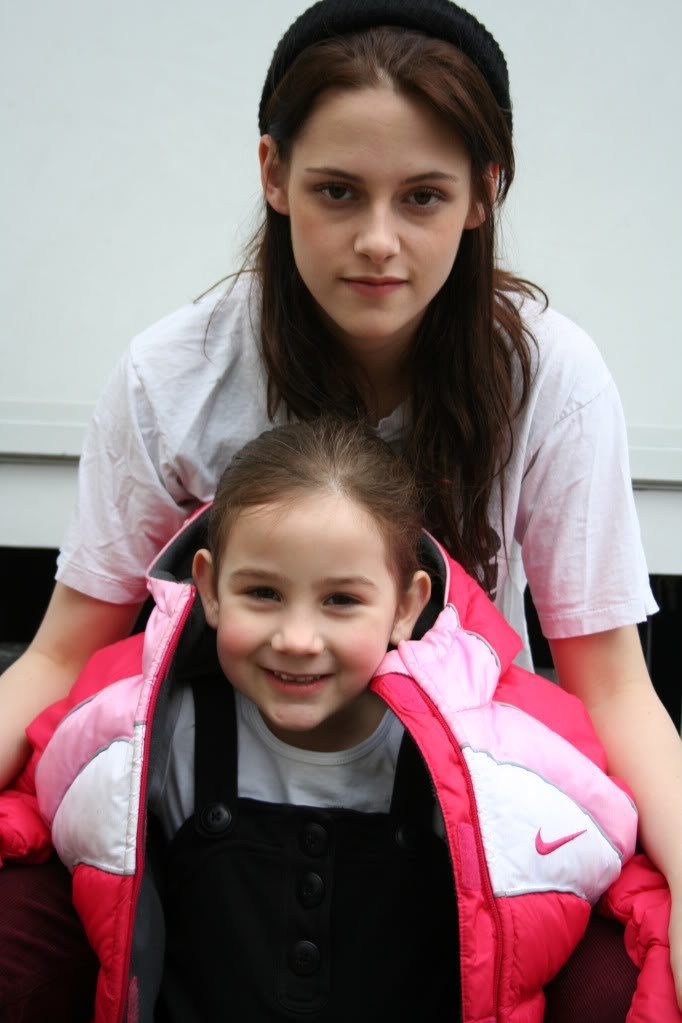 kristen and young bella