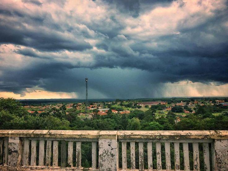Semana começa com chuva em Botucatu -     Nesta segunda-feira, dia 06, as condições de instabilidade serão intensificadas devido a passagem de uma frente fria pelo Oceano Atlântico, na altura do litoral paulista. Desta forma, haverá aumento de nebulosidade e ocorrência de chuva, acompanhadas por trovoadas, no interior - http://acontecebotucatu.com.br/cidade/semana-comeca-com-chuva-em-botucatu/