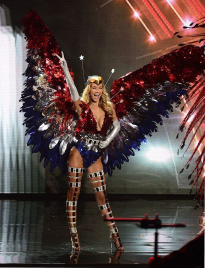 Miss USA | Miss Universe 2015: National Costumes