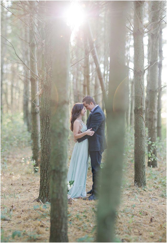 Windsor-London-Ontario-Hochzeitsfotografie Kiefernwald-Lagerfeuer-Engagement – photo ideas