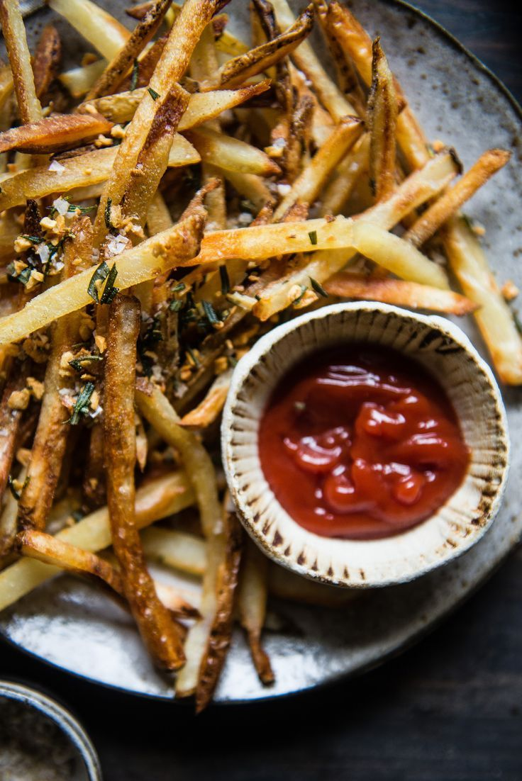 easy, crispy oven fries, with rosemary & garlic