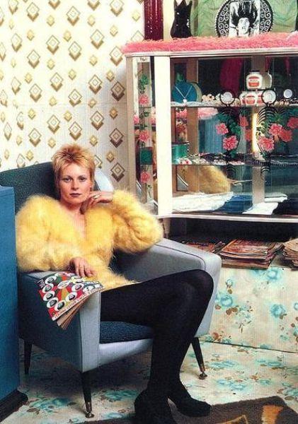 """Designer Vivienne Westwood inside her shop """"Let It Rock"""" in Chelsea (1971)"""