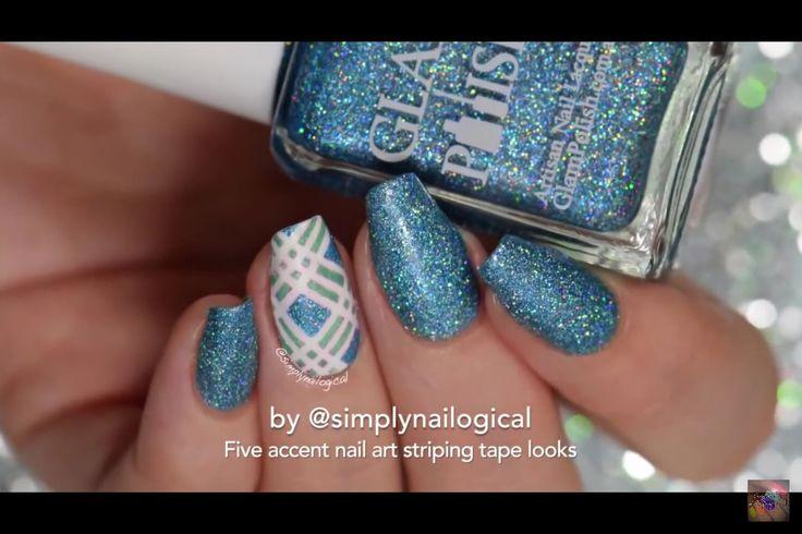 Blå glitternegler! Med et slags rutemønster!