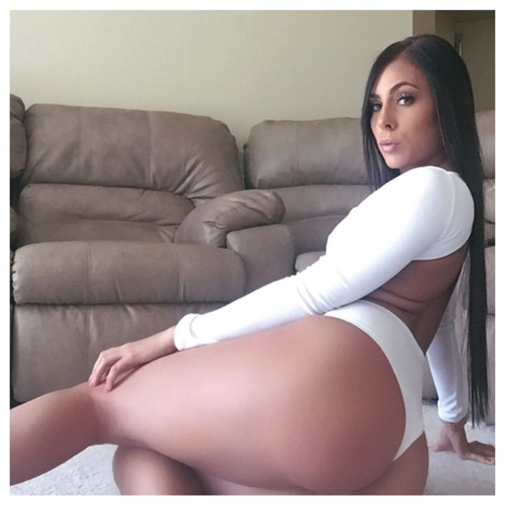 Gianna Erotic Lounge 35