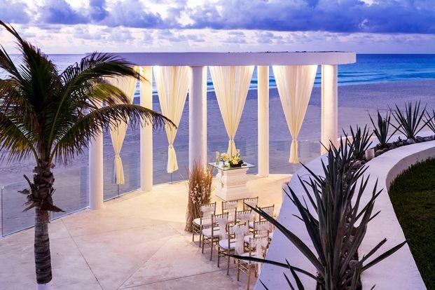 romantic setting & decor