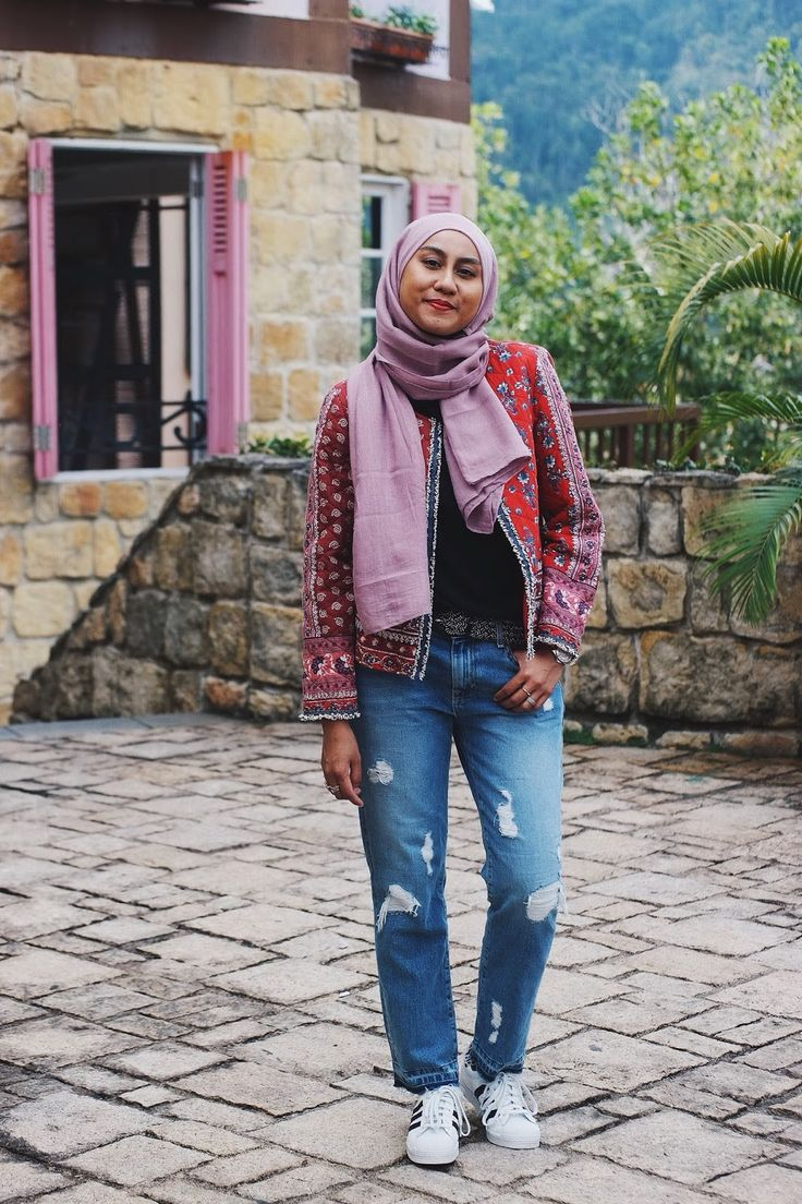 Pink and red padded jacket with boyfriend jeans - hijabi style