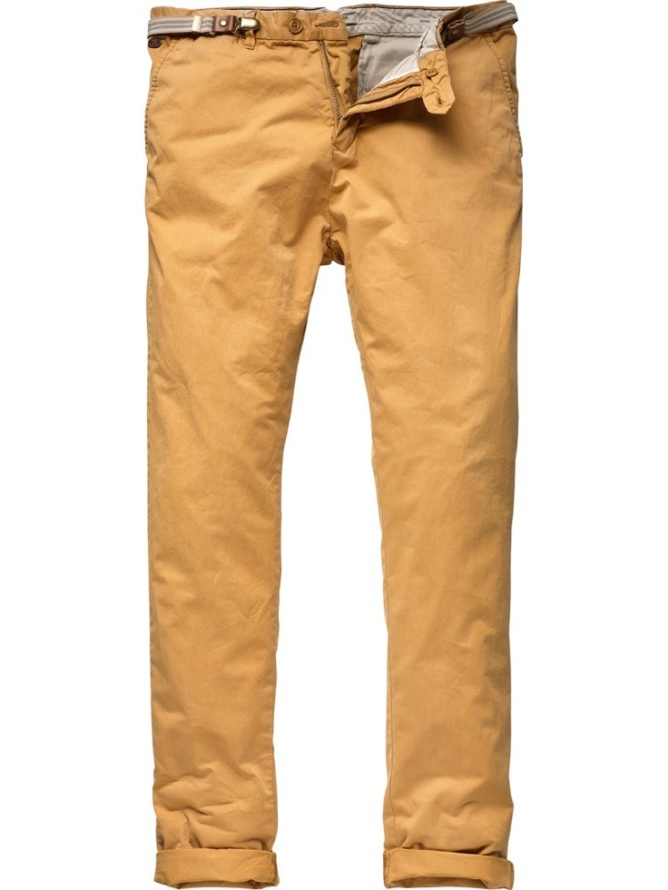 Chino city pants with clip-belt from Scotch & Soda; color: Noix; € 89,95