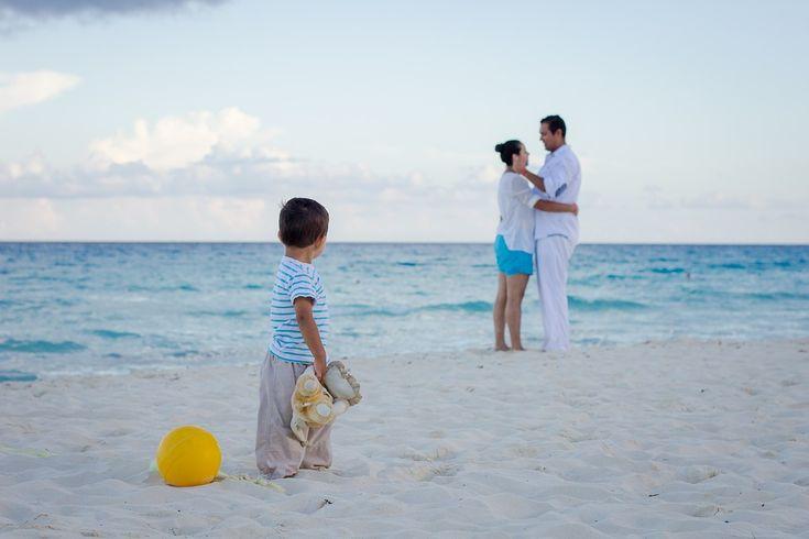 Met de kleintjes op vakantie? Kijk voor leuke reizen voor jonge gezinnen op http://vakantiedepot.nl/category/jonge-gezinnen/