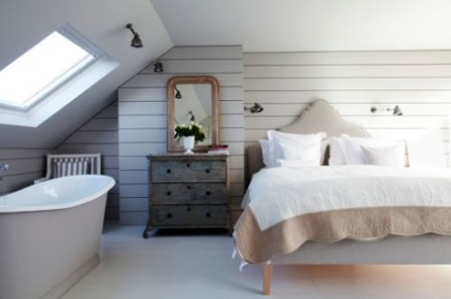 Attic room with bath in bedroom (image from London Loft Co.)