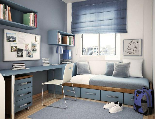 Wände zwei Farben blau weiß Tasgesbett Schreibtisch Stauraum Regalsysteme