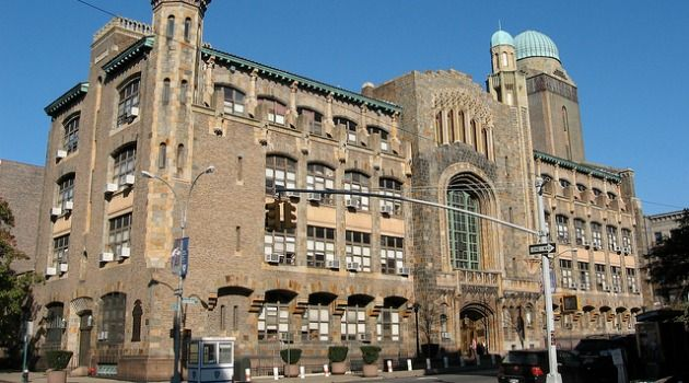 Yeshiva University's Fiscal Crisis Deepens With No End in Sight