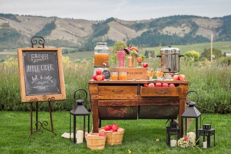 The Apple Cider Bar Is Here, and It's the Best Fall Wedding Trend Yet | Brides.com