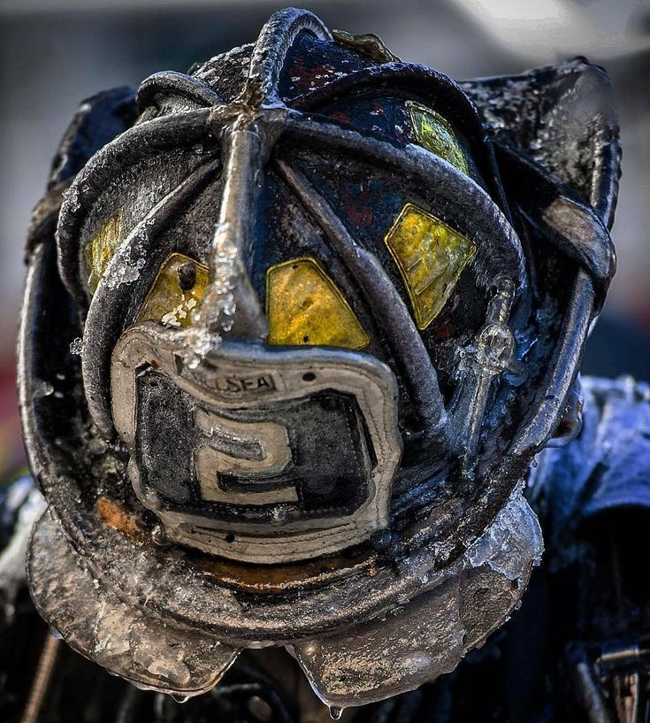 FEATURED POST @markchera - Happy first day of winter and incidentally the shortest day of the year. Daylight gets longer from tomorrow. We made it. . Joe Conlon's helmet by @firefightingphotography John Cetrino. . . .___Want to be featured? _____ Use #chiefmiller in your post . http://ift.tt/2aftxS9 . CHECK OUT! Facebook- chiefmiller1 Periscope -chief_miller Tumblr- chief-miller Twitter - chief_miller YouTube- chief miller . . . #firetruck #firedepartment #fireman #firefighters #ems #kcco…