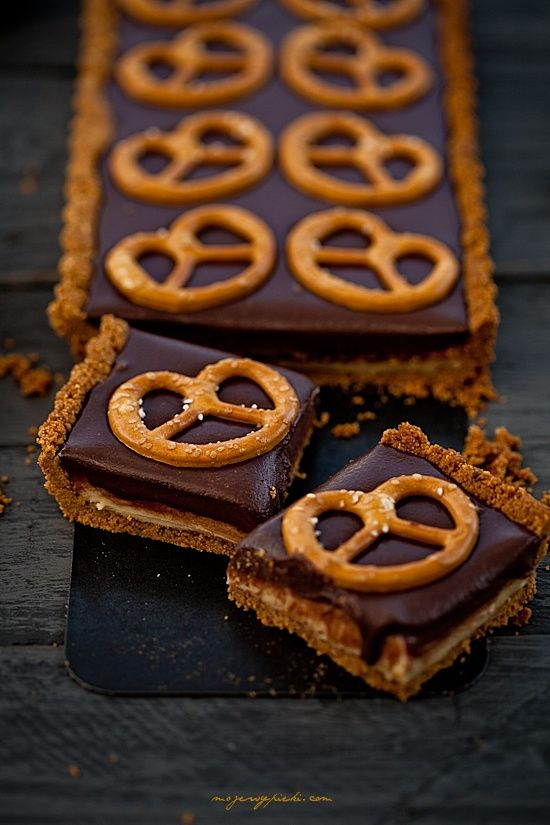 Peanut Butter Pretzel Tart with Cracker Crust