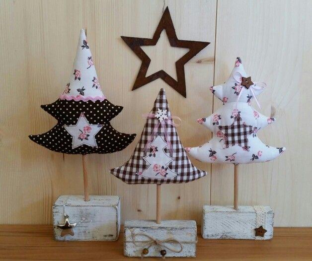 ☆ Tannen-Bäume Holz-Pfosten ☆ Weihnachten XMAS ☆ nach Tilda-Art genäht ☆ Shabby Landhaus ☆ Fabric Trees