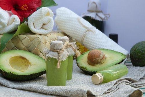 Mascara hidratante de abacate cuidados para os cabelos antes de dormir