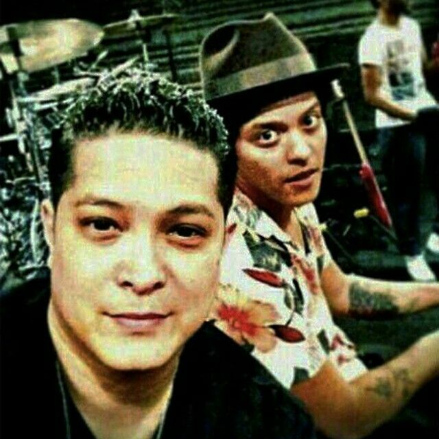 Eric Hernandez and his brother Bruno Mars