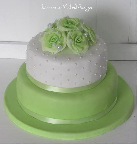 Emmas KakeDesign: Head to the blog for a step-by-step tutorial on how to make this beautiful wedding cake in lime green and fondant roses. Instagram @emmaskakedesign