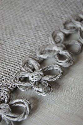 Cute for burlap table runners and placemats
