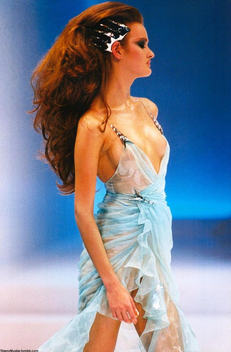 17 best images about fashion on pinterest cindy crawford for Thierry mugler a travers le miroir