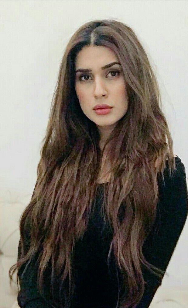 Kubra Khan Hair Styles Long Hair Styles Pakistani Actress