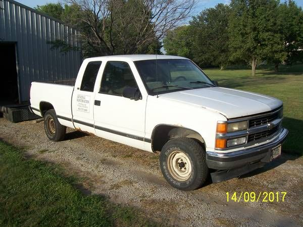 1996 Chevy 1500 Ext. Cab Short Box (selling parts) 4X2 – auto parts – by owner