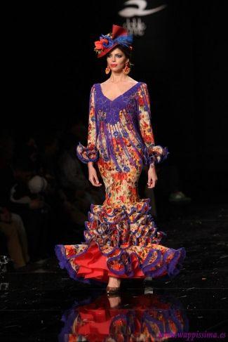 Traje de Flamenca - Sonia-%26-Isabelle - Simof-2015. Flores