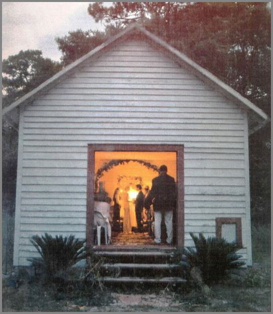 John Kennedy Jr & Carolyn Bessette Wedding. I never saw this particular picture and just love the simplicity of the church. Gone way too soon:(