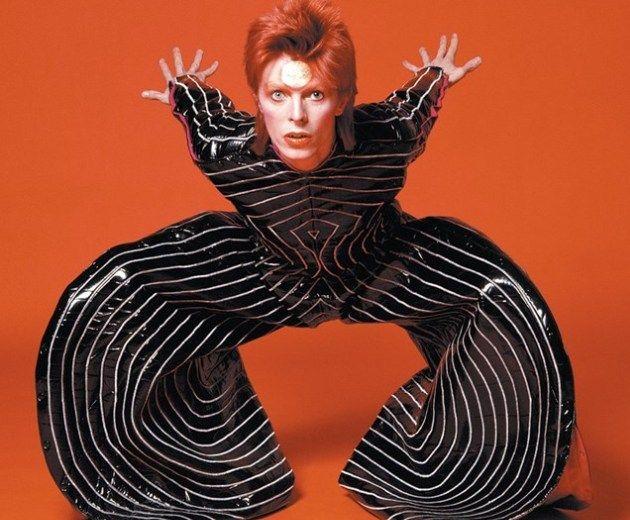 Style icon: Τα πιο τολμηρά fashion statements του David Bowie στα 70's!