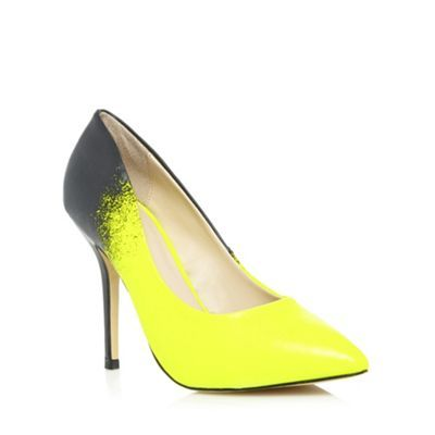 These #neon #yellow court shoes from Call it Spring have a vibrant #ombre design, a pointed toe and a high platform heel. Would you dare to wear? #SS14