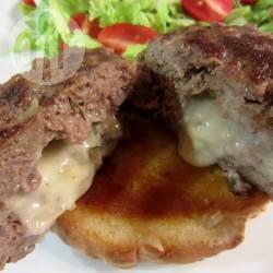 Hamburgers met blauwe kaas @ allrecipes.nl