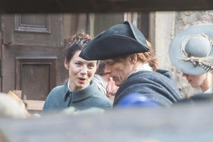 Sam Heughan's Outlander films in Edinburgh as excited fans flock to catch glimpse of Scots hunk and Caitriona Balfe – The Scottish Sun