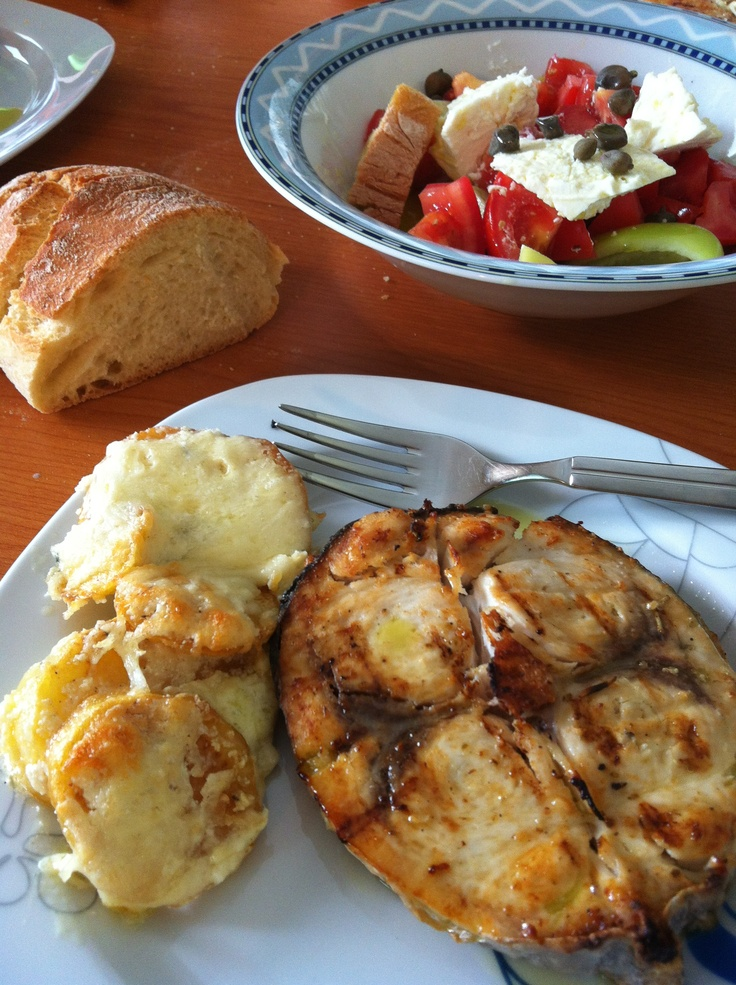 Swordfish grilled and potatoes augratin
